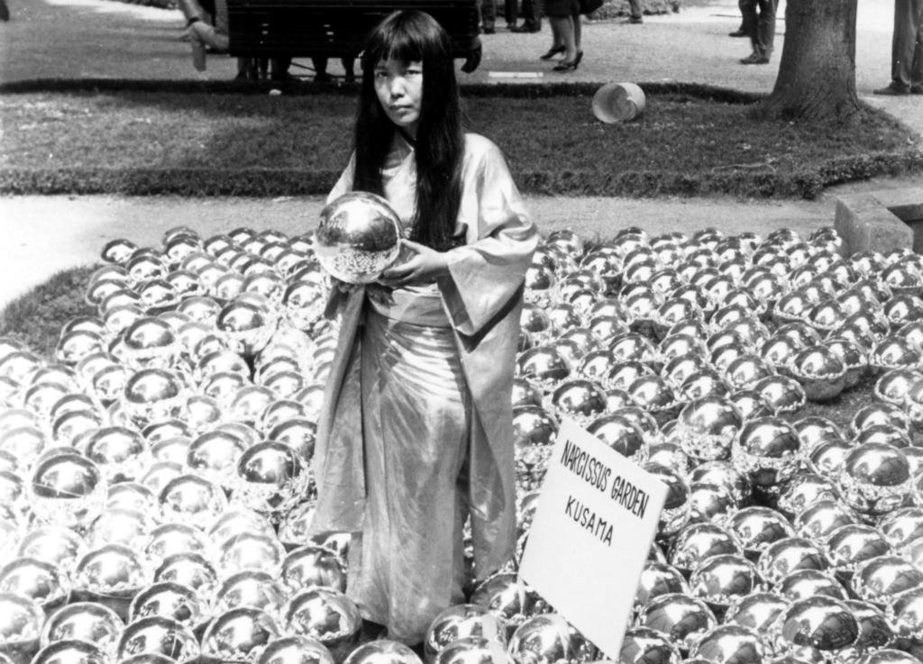 Bienal de Venecia (1966) - Yayoi Kusama