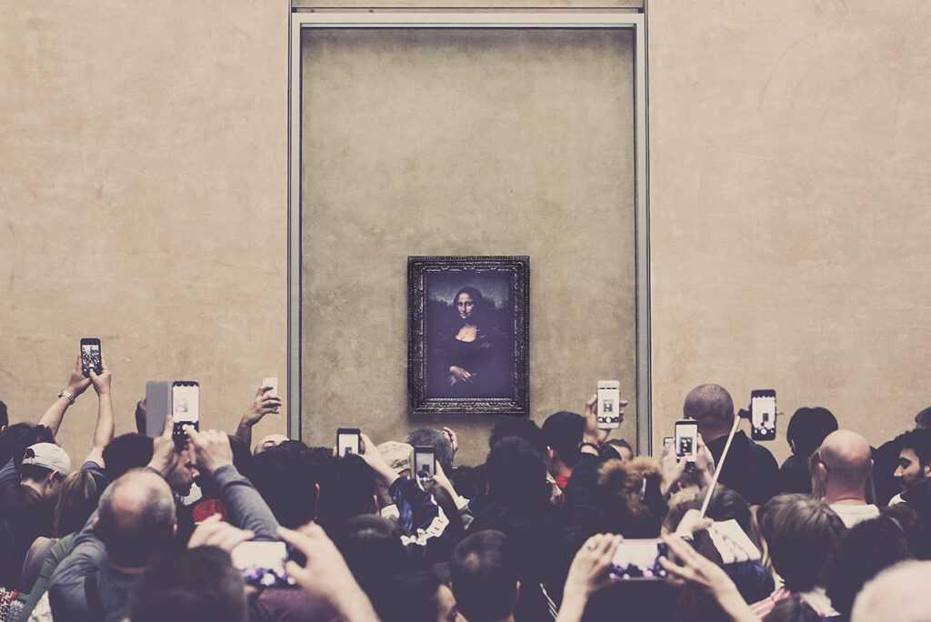 Louvre - Mona Lisa - Crowd